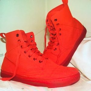 Dr. Martens 7 eye pure blood red combatz rare NWT